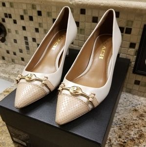 """Coach """"Lauri"""" Capped Pointy Toe Heel, size 5"""